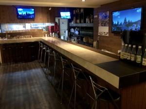 shot bar MIEL(ショットバー ミエル) TEL089-968-2655 松山市二番町1-6-10REON二番町ビル5F