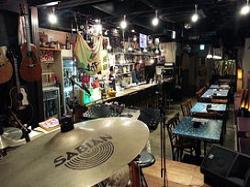 LIVE HOUSE BAR YAHMAN33 (ヤーマンサンジュウサン)店内