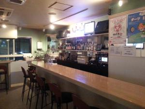 Bar FD  (エフディー) ボックス席写真画像 TEL089-932-0922 〒790-0001 愛媛県松山市一番町1丁目11-7 チャイクロビル3F