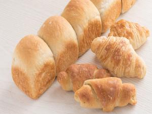 うちだパン(有限会社内田パン)おいしい低糖質・高食物繊維「はだか麦食パン」「はだか麦クロワッサン」「はだか麦塩パン」写真画像 〒791-8015 愛媛県松山市中央1丁目12-1 TEL089-989-7262