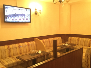 Lounge 葉(ラウンジ ヨウ) ボックス席写真画像 〒790-0002松山市二番町1-4-9二番町CITYビル3F TEL089-941-0017