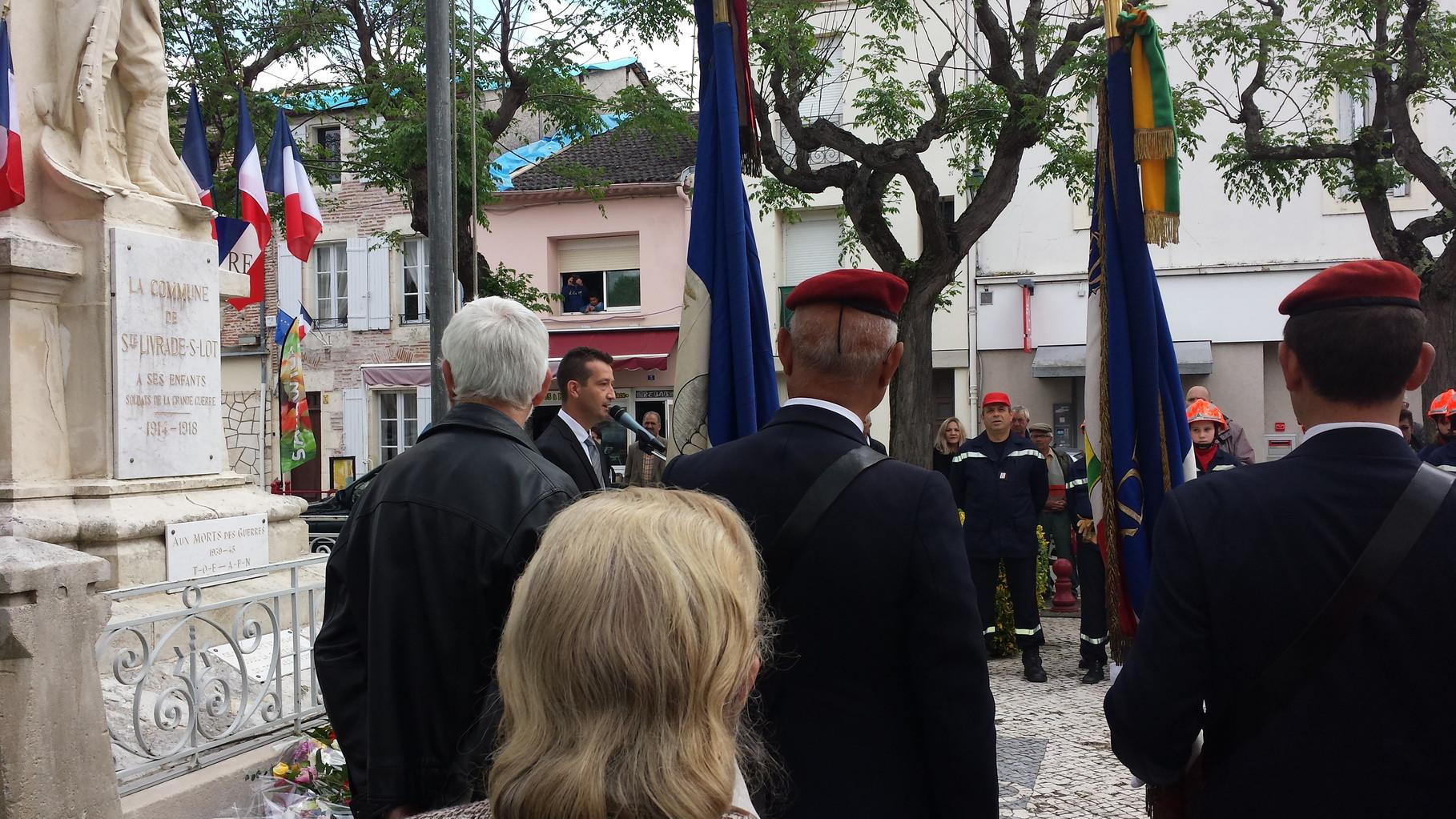 M. LE MAIRE DE STE-LIVRADE ANNONÇANT LA CÉRÉMONIE DU 12 MAI 2014 AU CAMP DE BIAS