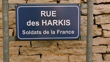 HONNEUR AUX HARKIS