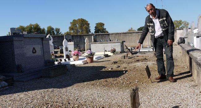 Une seconde vie pour les tombes de harkis./ Photo DDM, Lucien Mercier