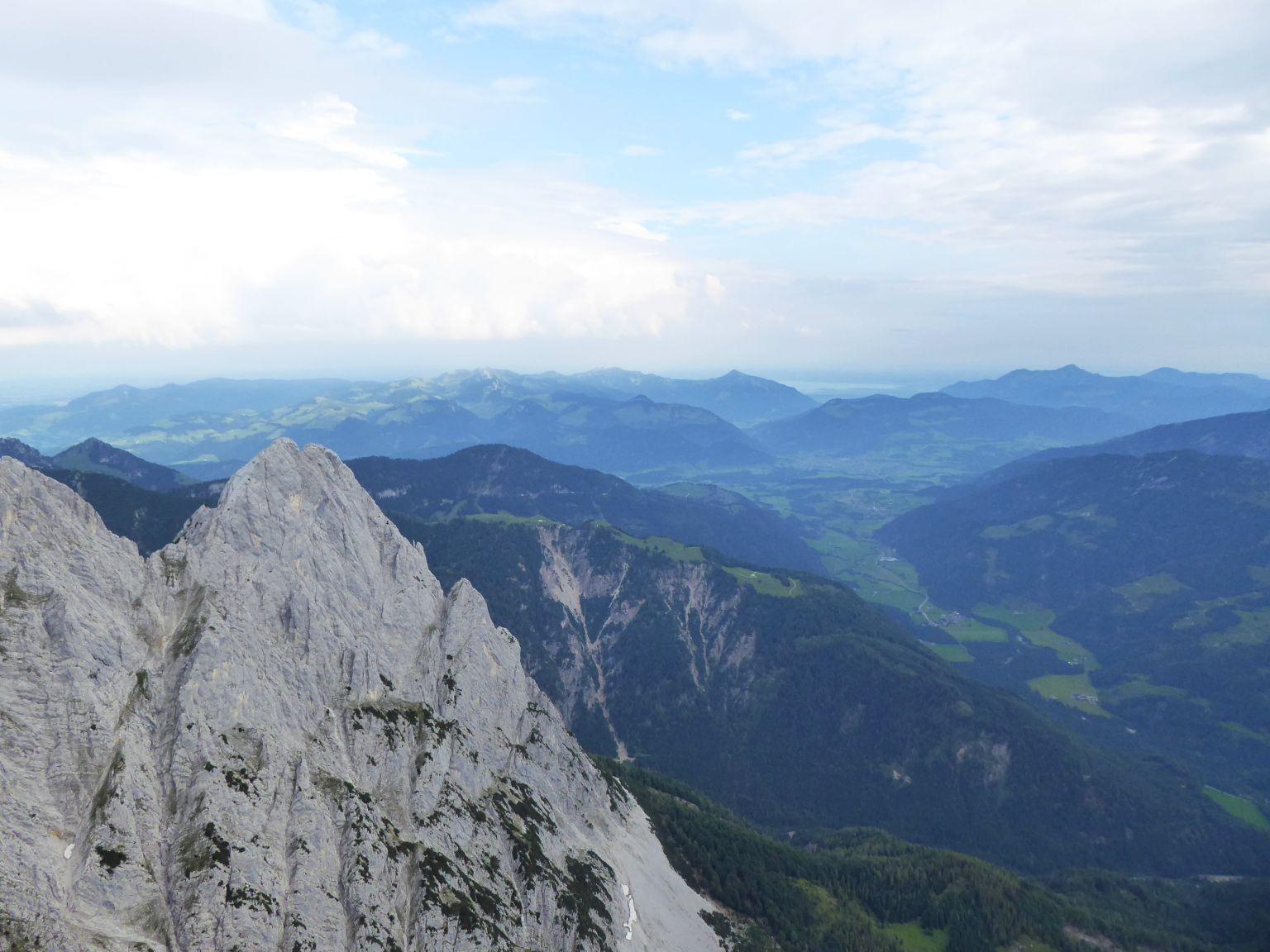 Über das Lärchegg hinweg Richtung Kössen und in die Chiemgauer
