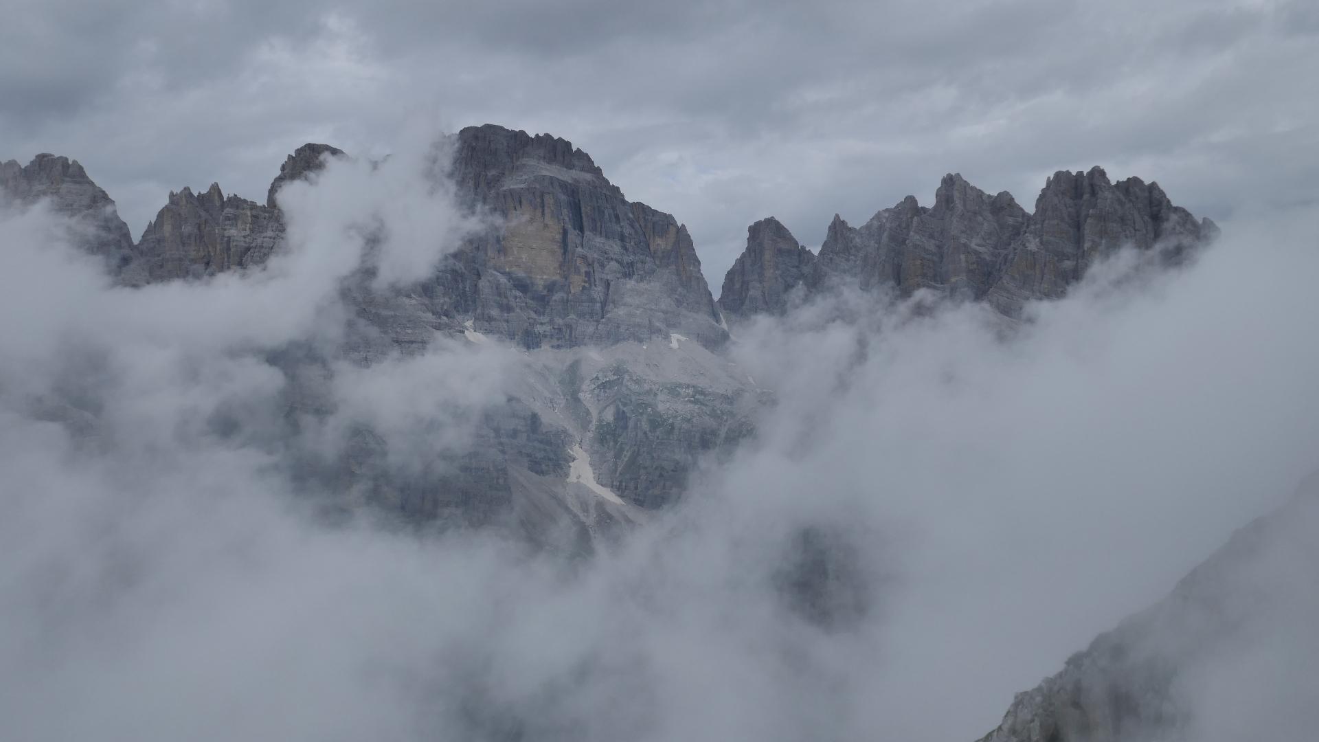 Cima Brenta (halblinks), der höchste Brenta Gipfel