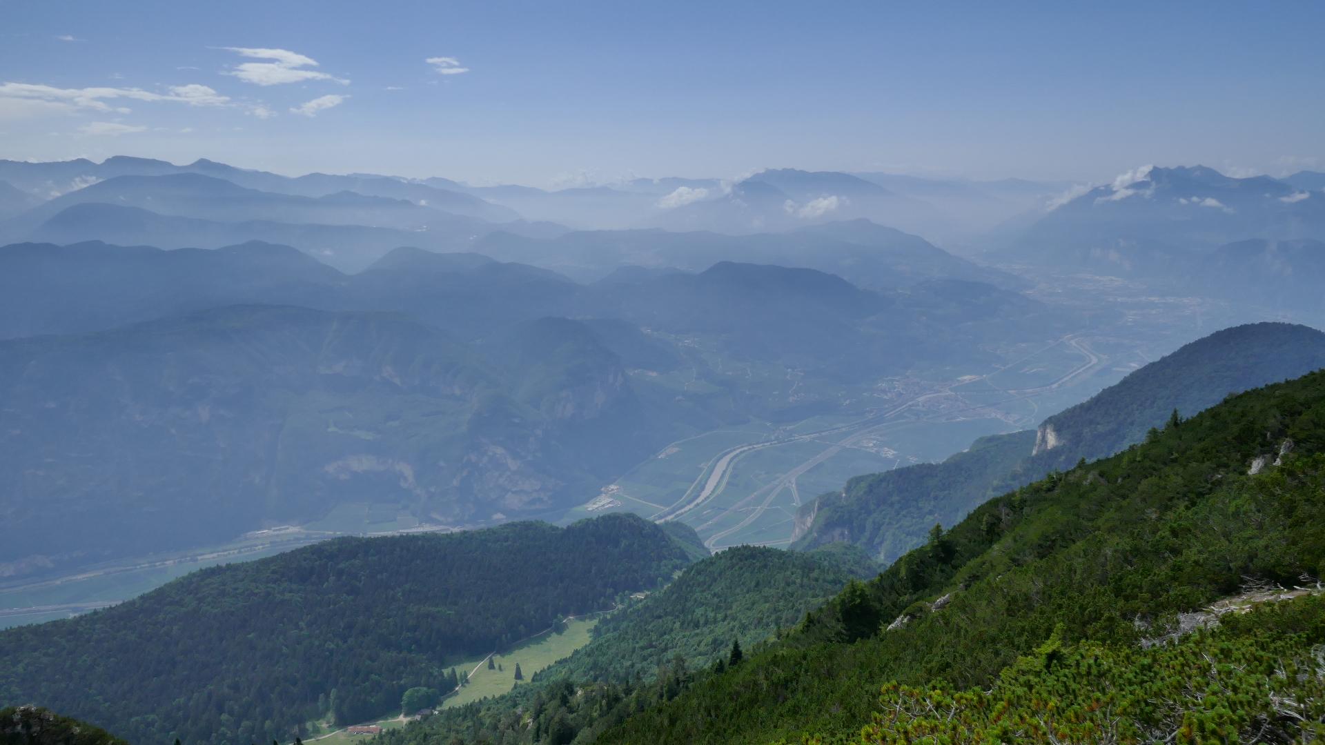 Tiefblick auf Monte di Mezzocorona