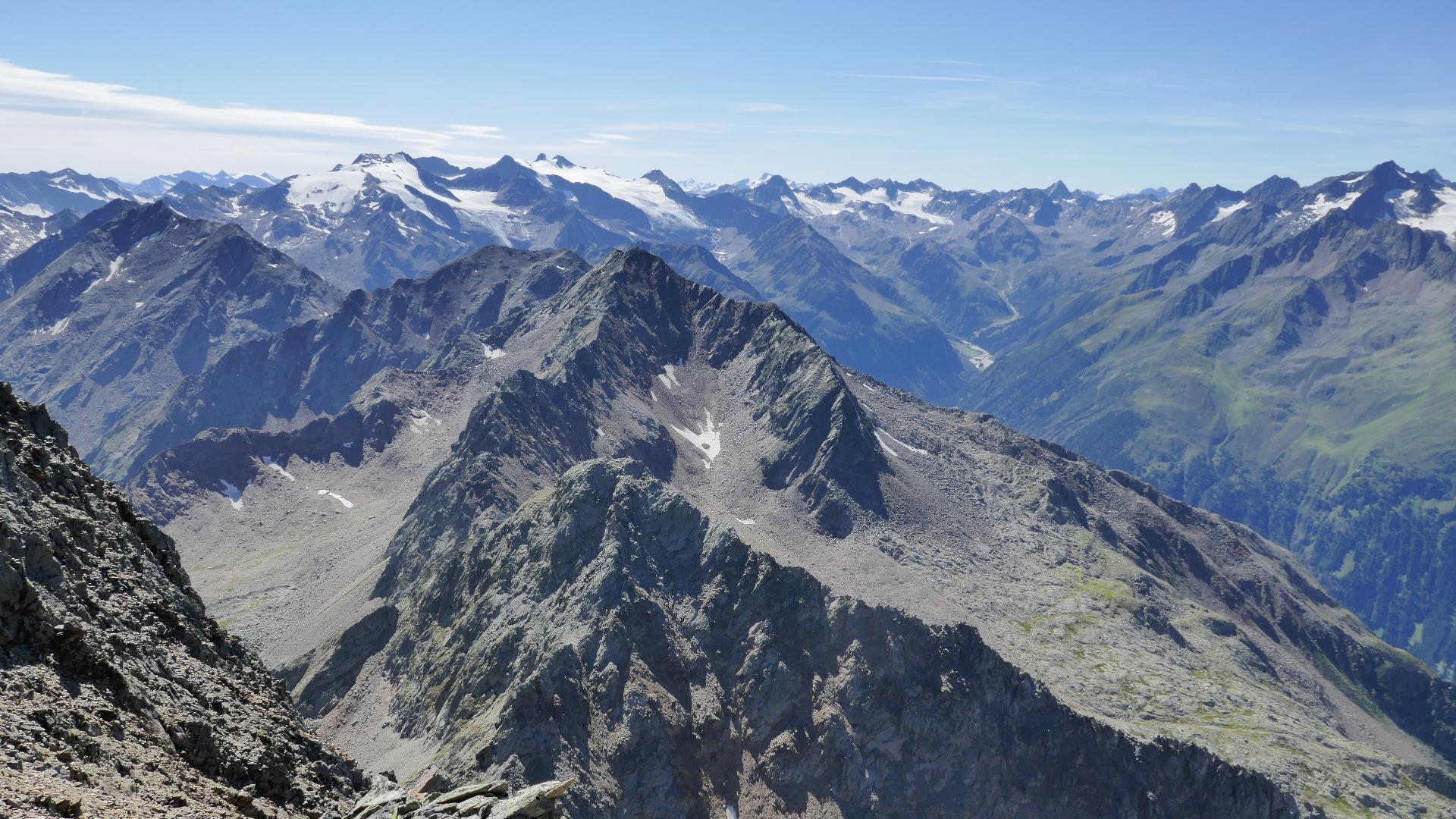 Nach Süden über Oberstkogel, Röten- und Wetterspitzen zu den Stubaier Gletscherriesen