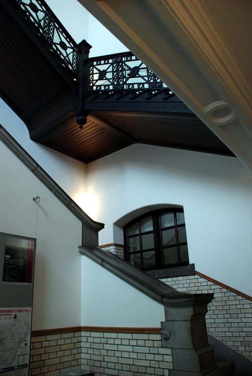 近代建築の見どころの一つは階段まわり