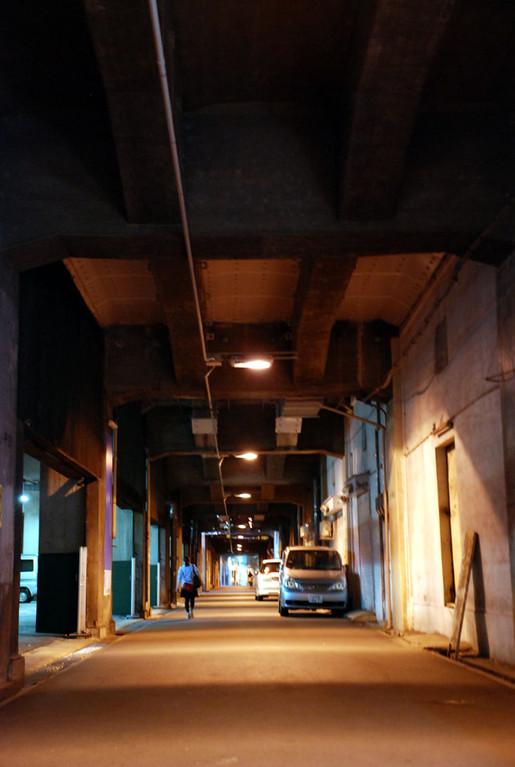国道176(十三筋)高架下