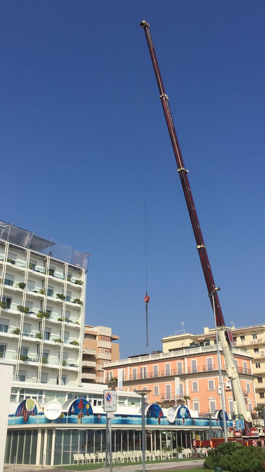 Autogru albergo Riccione