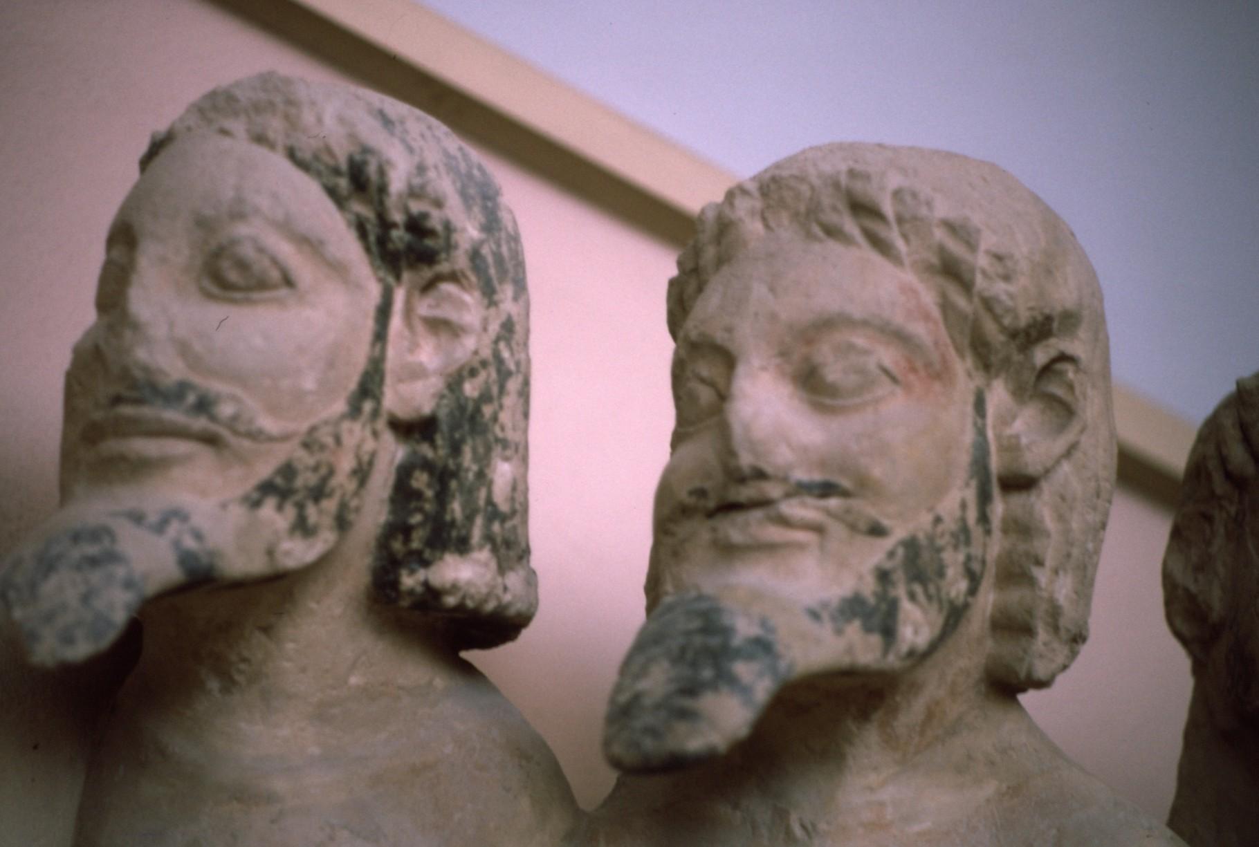 ペルシアが破壊した旧神殿の破風