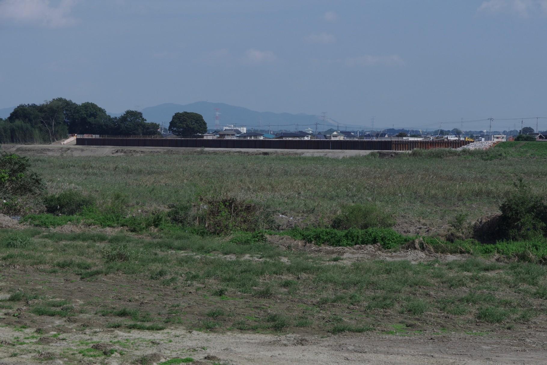 9月24日に「仮復旧」した左岸21.0kmの堤防 三坂町