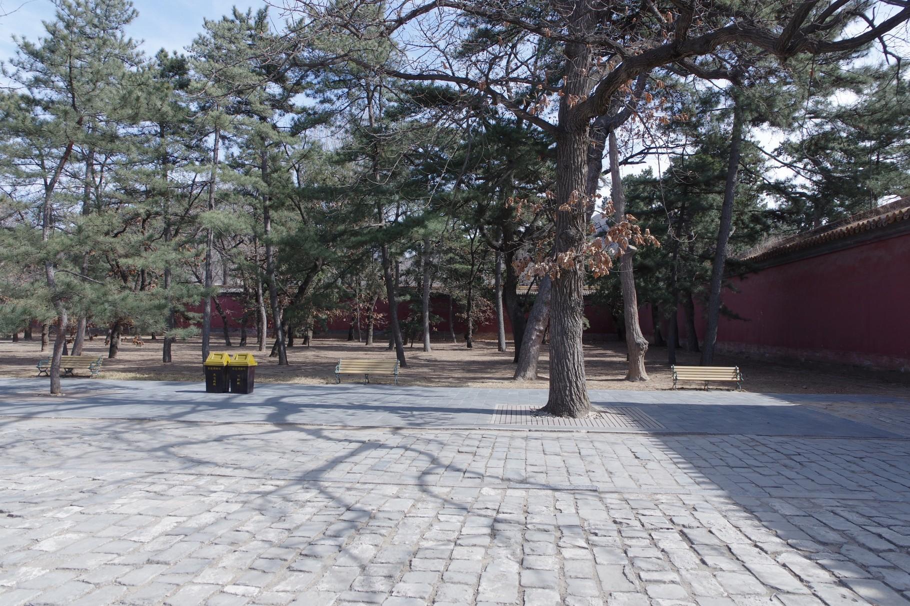 「明楼」前中庭の東側