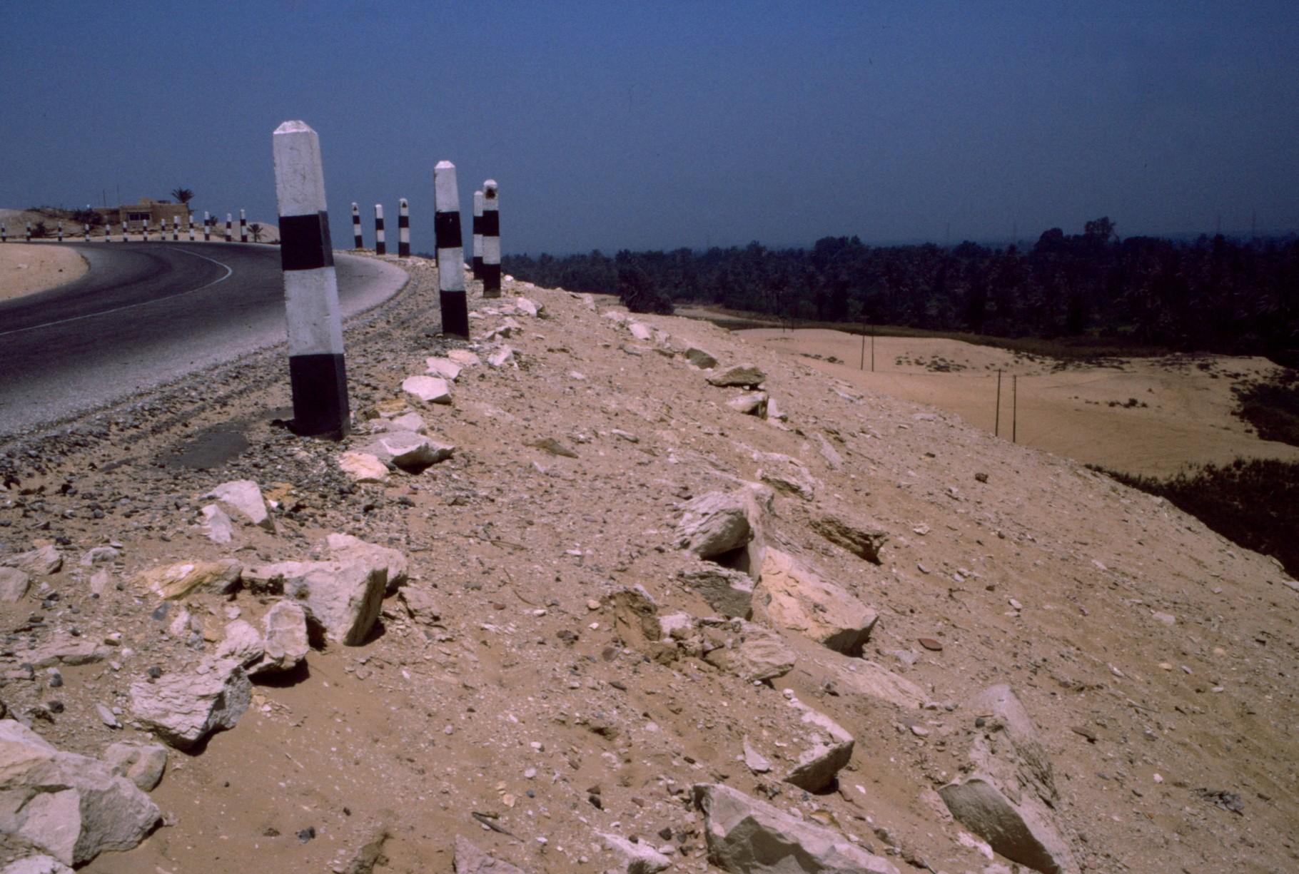 ギザ近郊の「谷」の縁