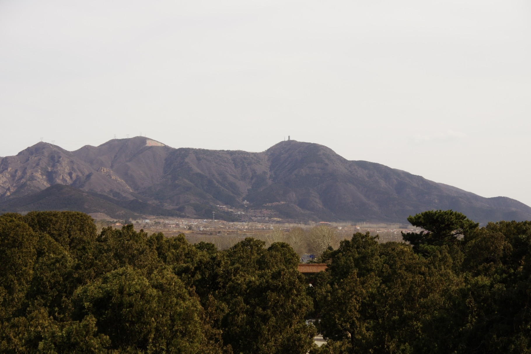 北側の山並み