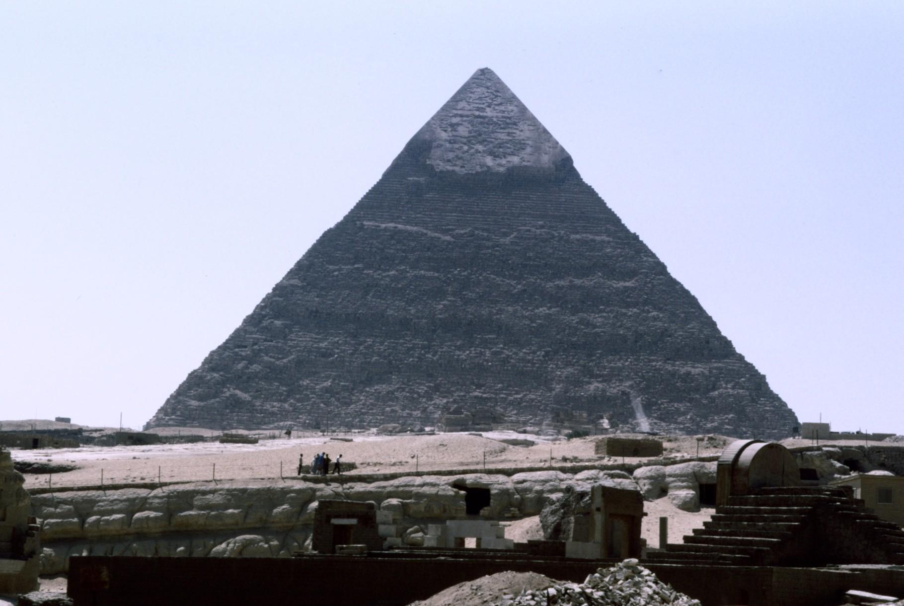 カフラーのピラミッド