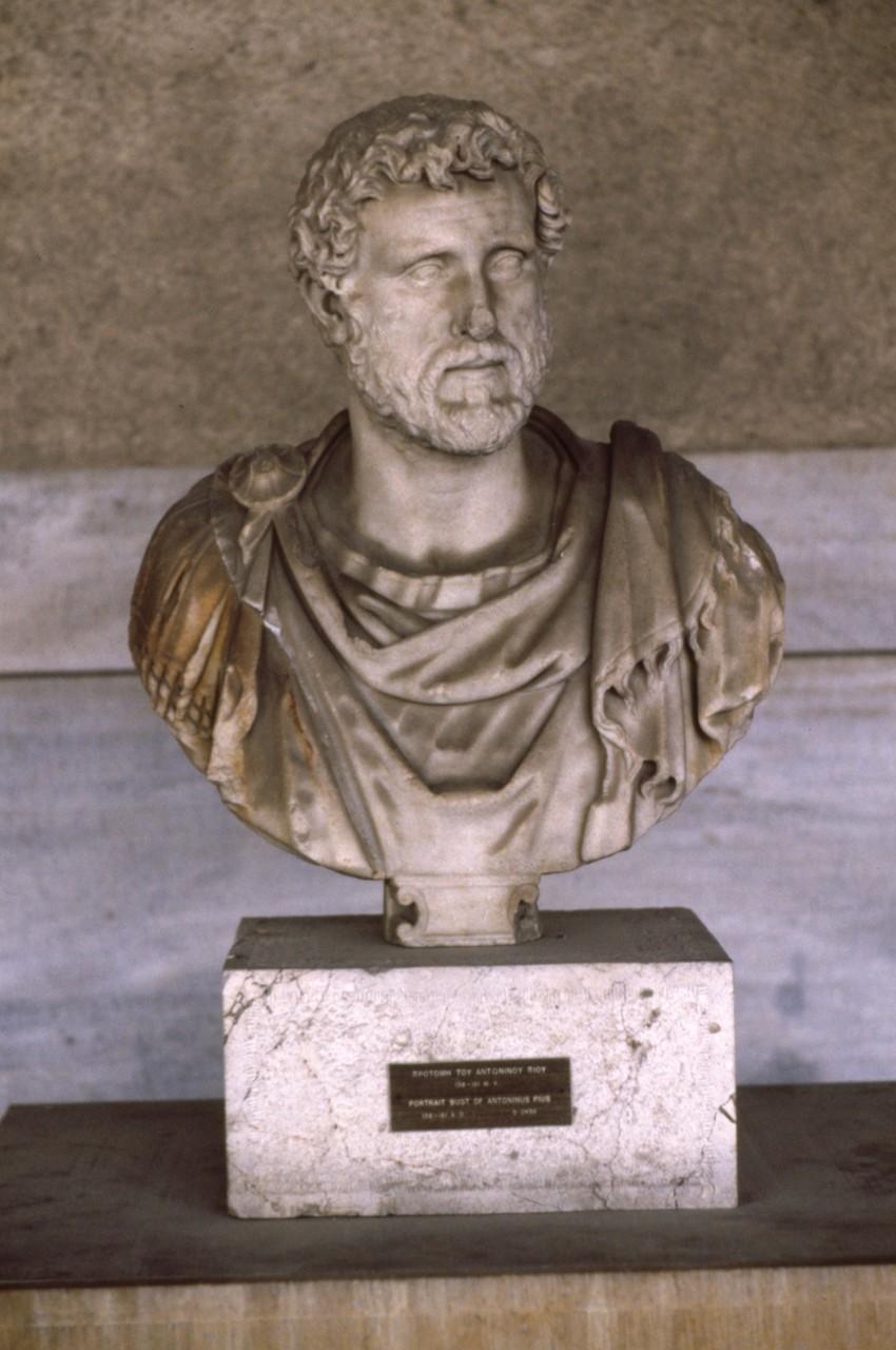 アゴラで発掘された彫刻 どうみてもローマ人の作