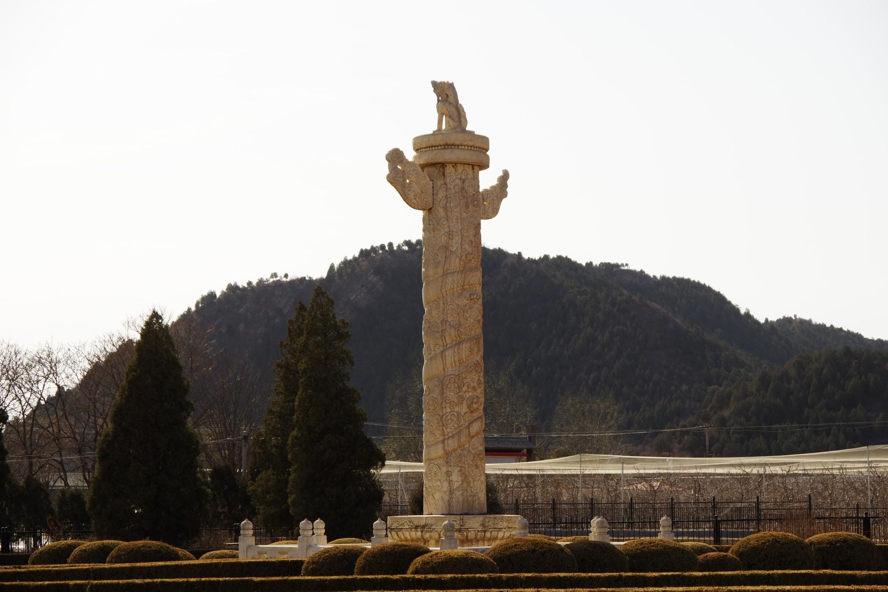 碑楼の北の華表