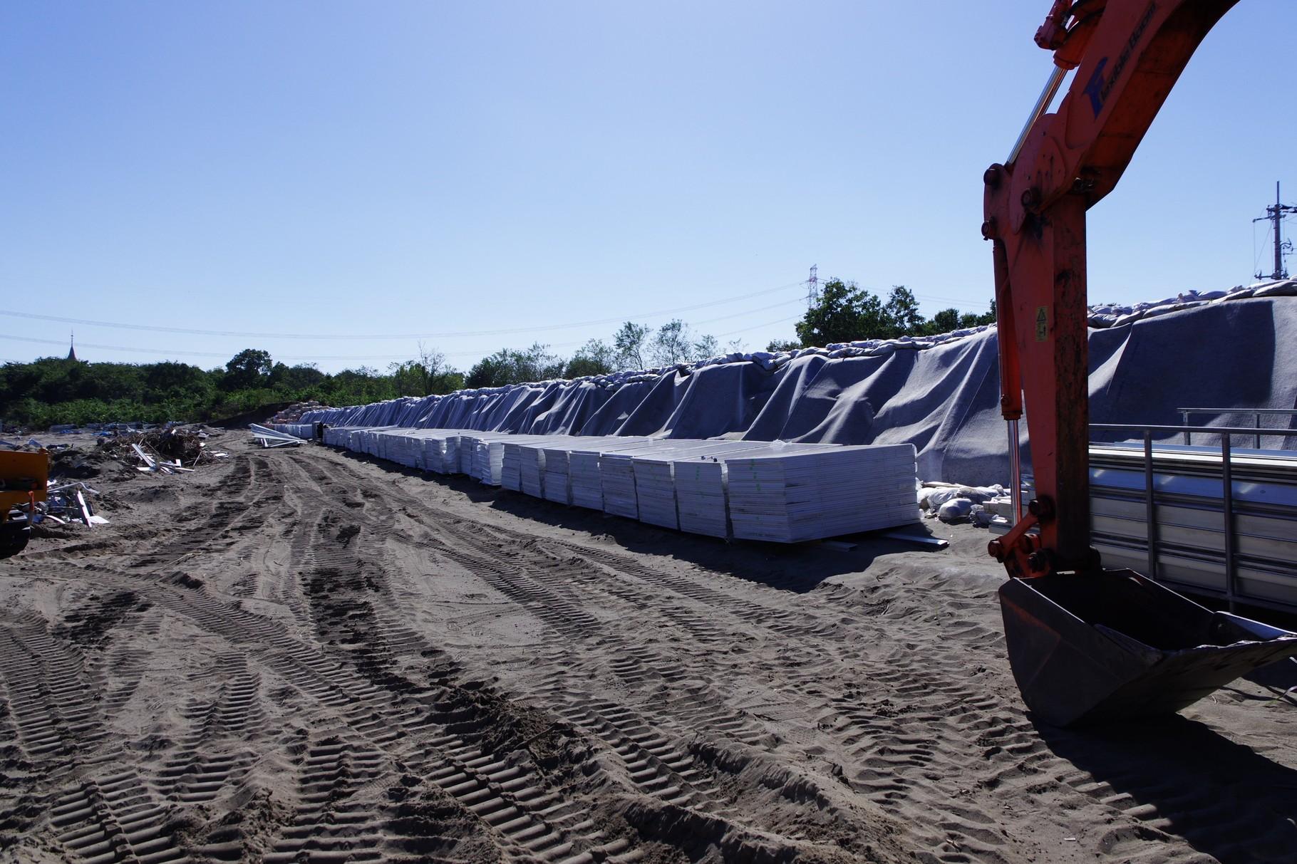 国交省が1週間で設置した土嚢の堤防もどき