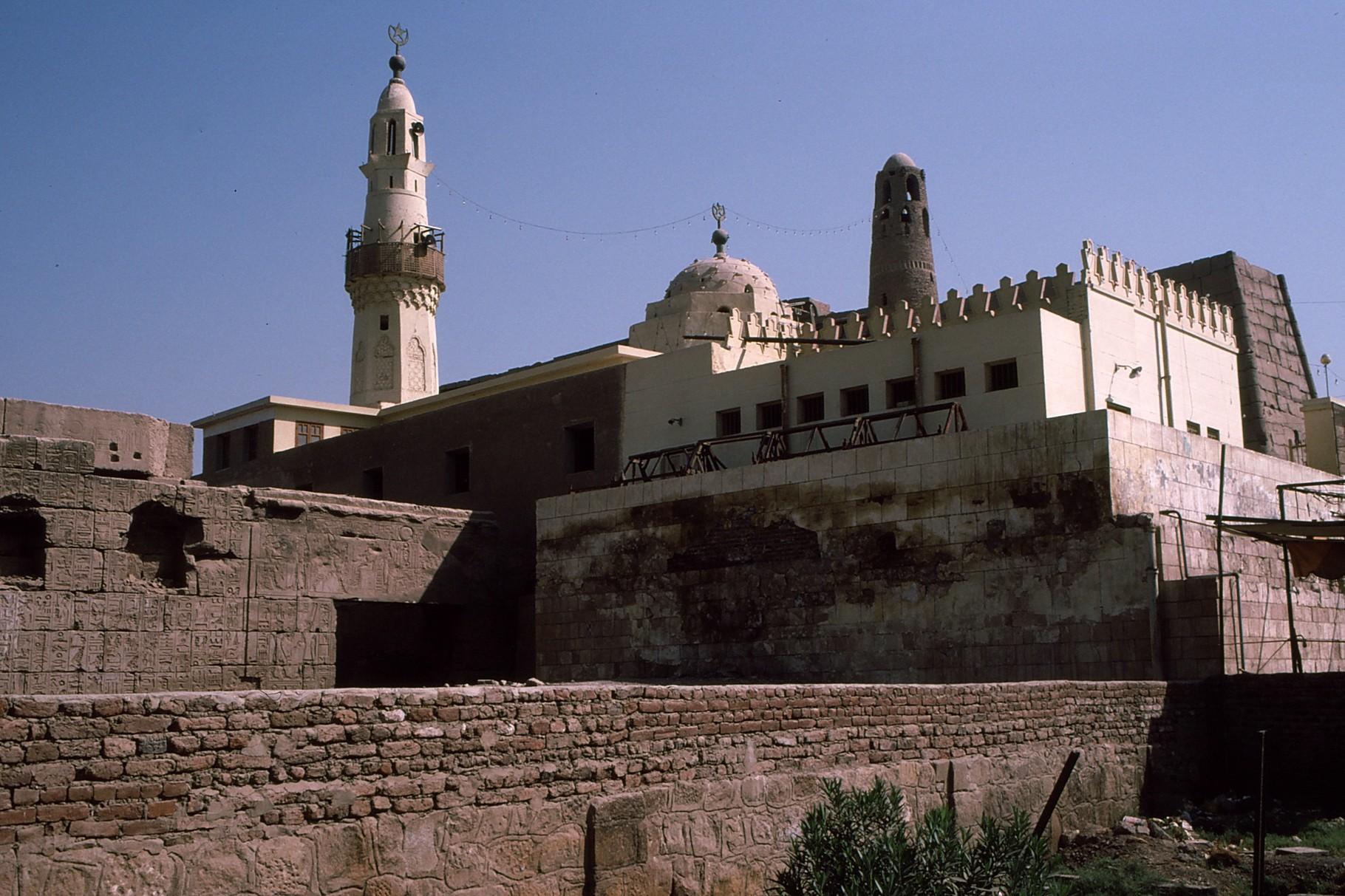 付加されたモスク