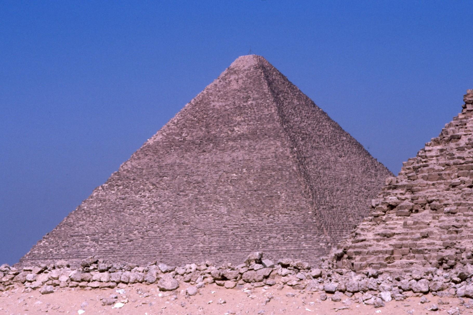 クフのピラミッド