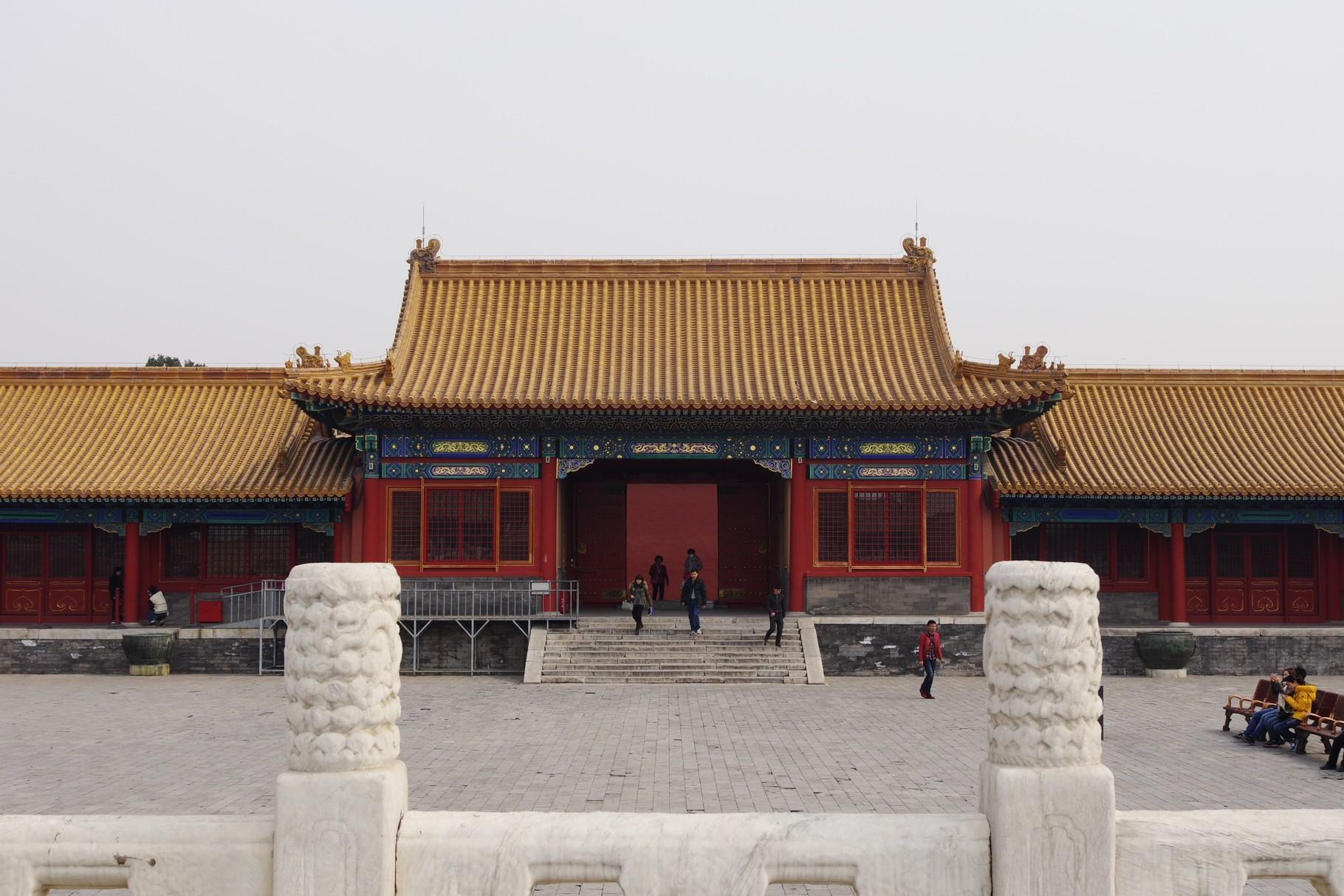 東側の日寧門