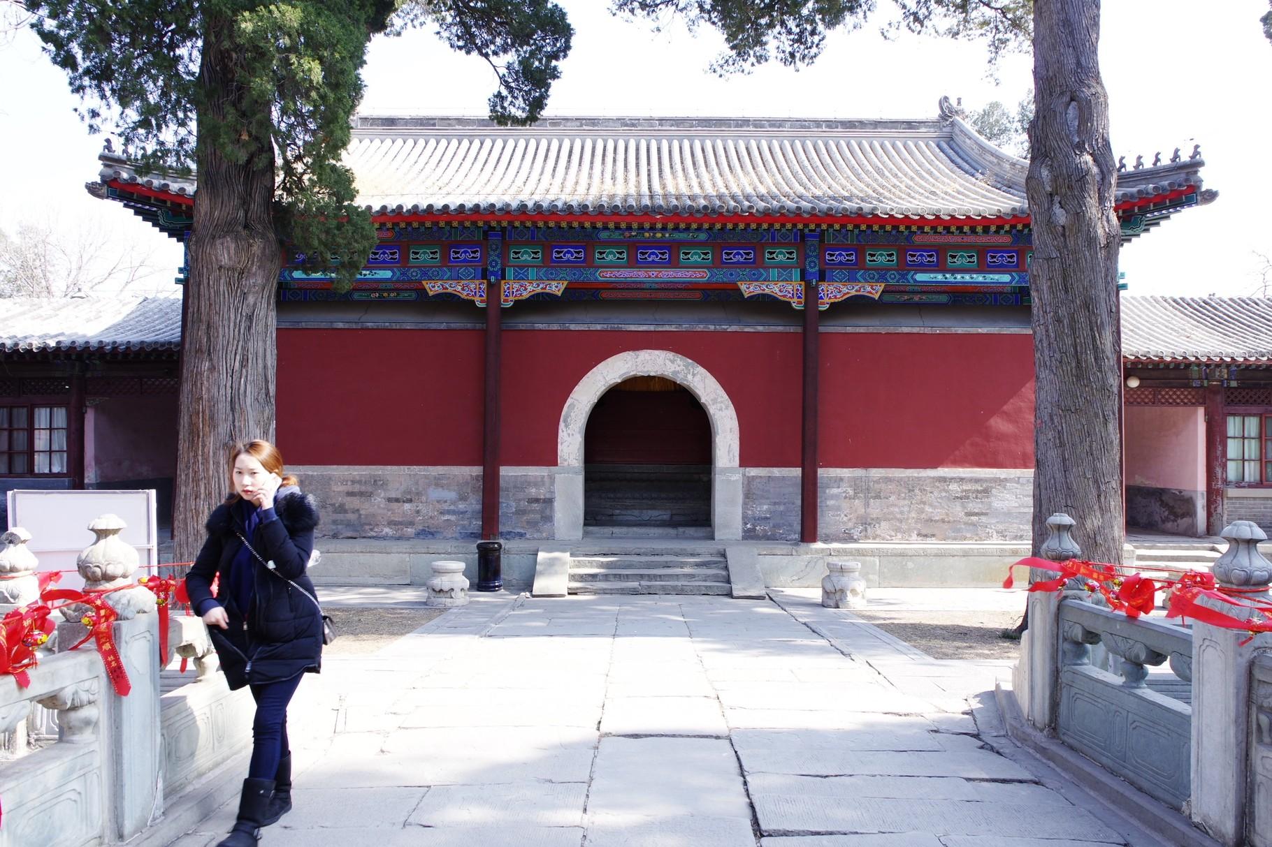 弥勒殿の背面