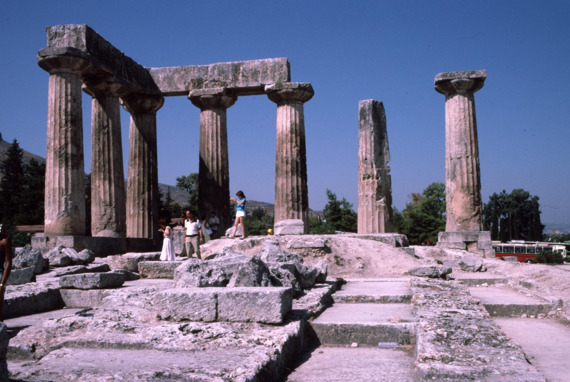 アポロン神殿(前6世紀)