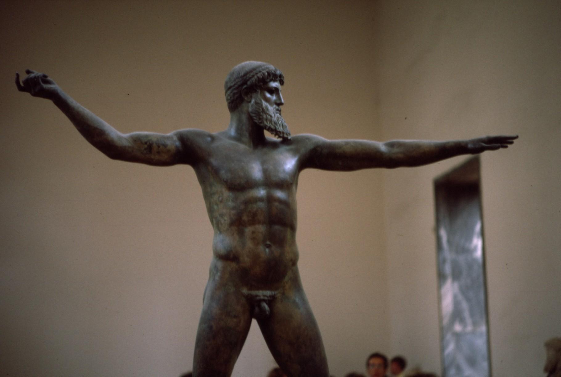 ブロンズの「ポセイドン像」 アテネ考古学博物館