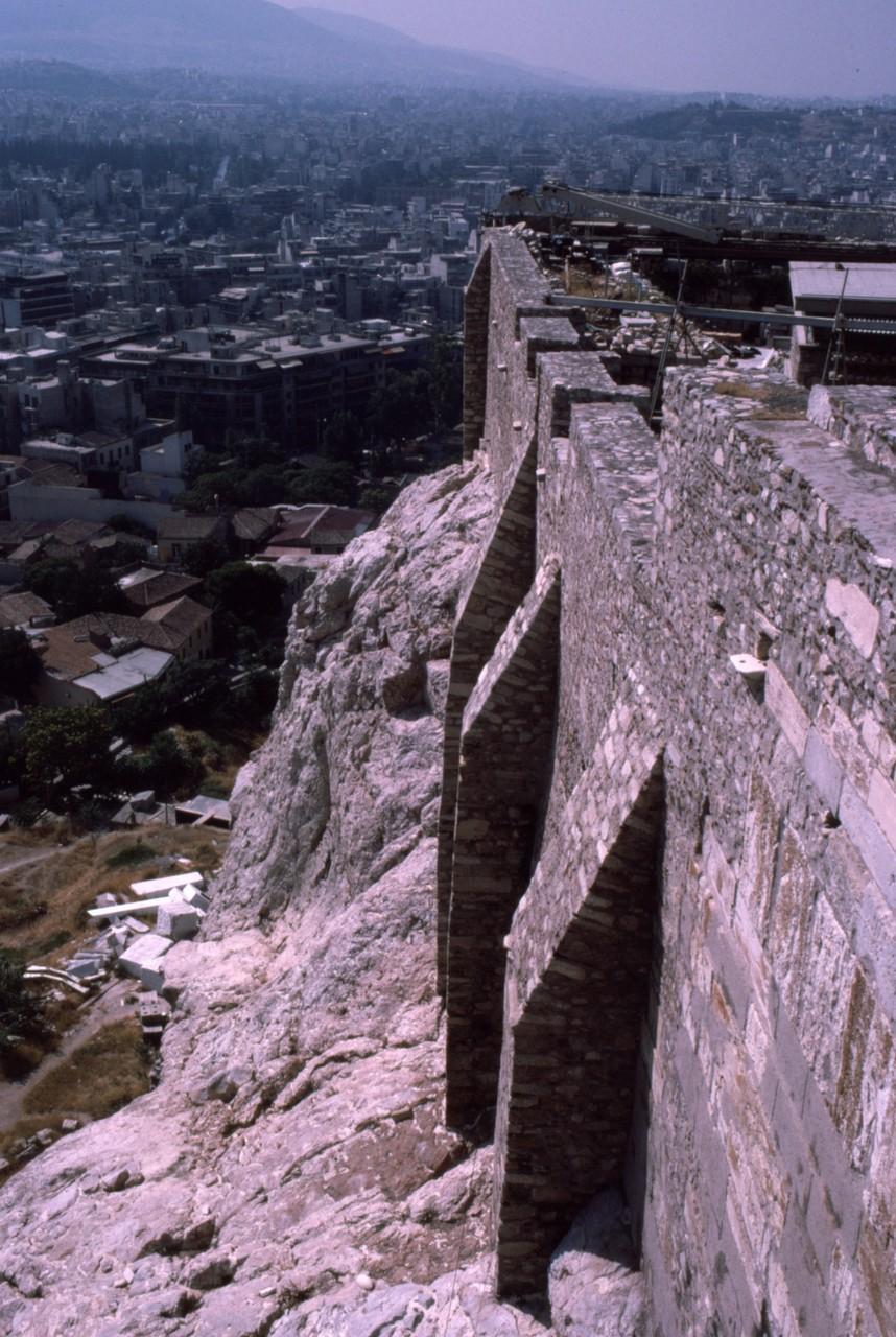 ほぼ垂直の石垣