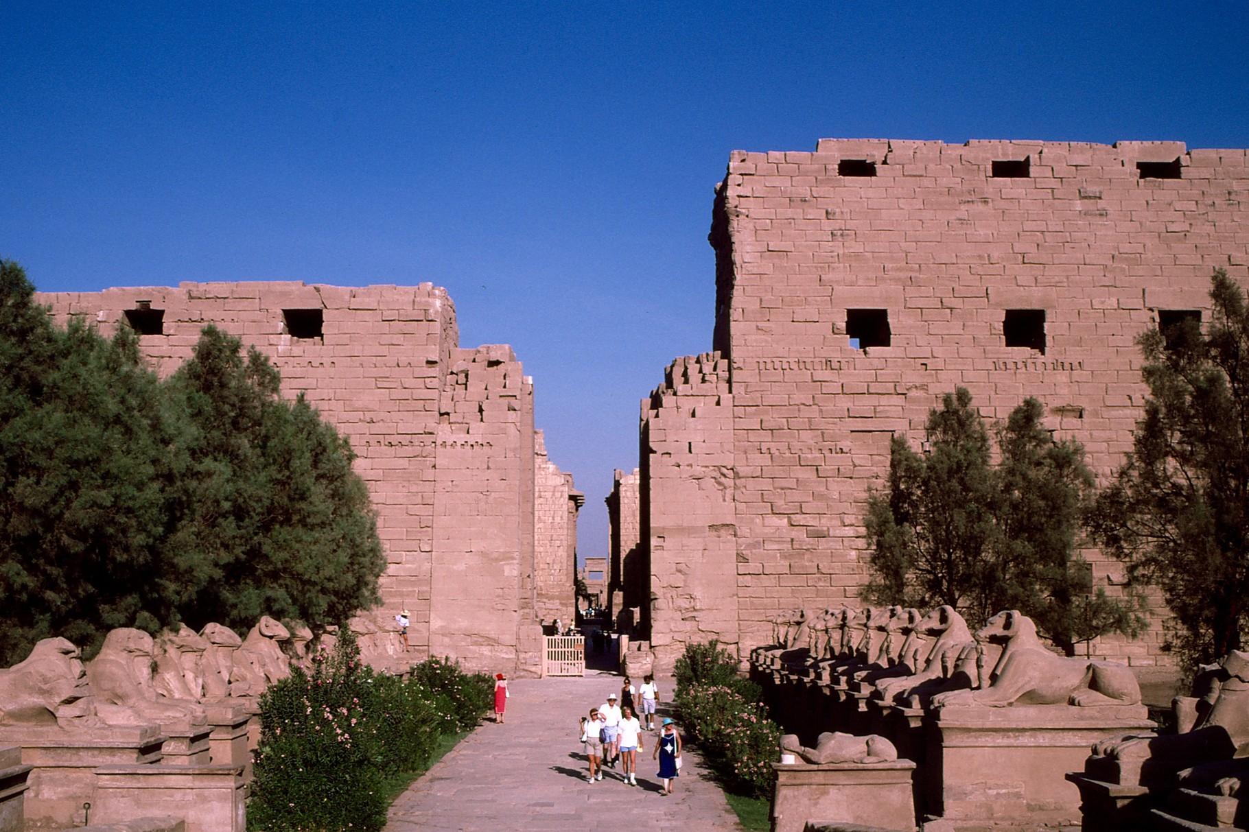 後世のプトレマイオス朝時代の門
