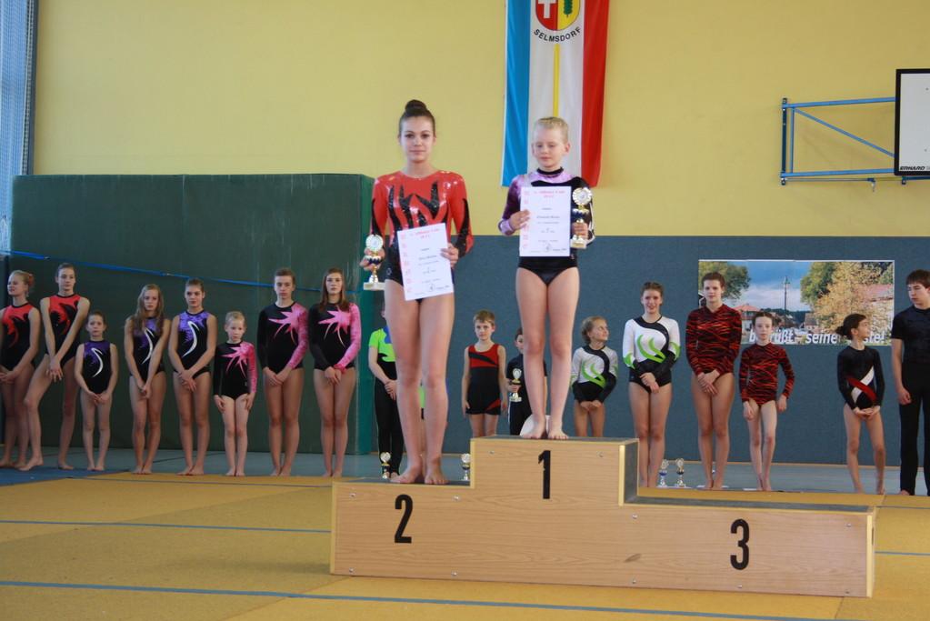 Siegerehrung - Platz 2 Nora Dalibor