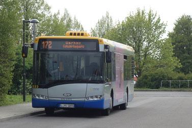 Der S.Urbino 12 III auf der Linie 172, an der (H) Sommerfeld.