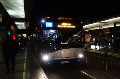 Der S.Urbino 18 III auf der Linie N9 an der (H) Hauptbahnhof