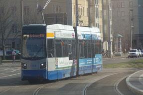 Der NGT6/Leoliner an der (H) Roßplatz.
