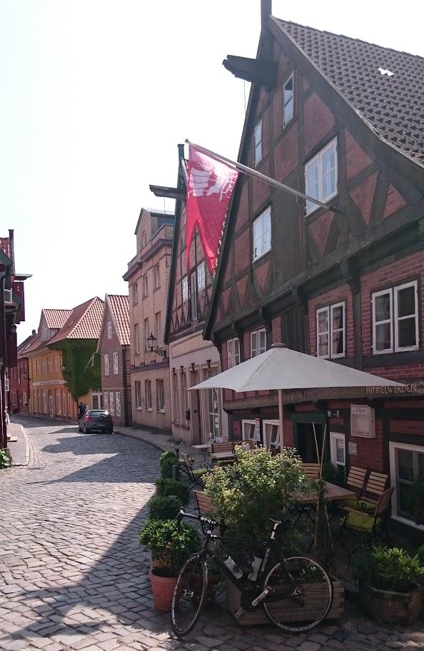 Lauenburg. Fieses Kopfsteinpflaster von 1685.
