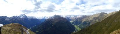Links das Unterbergtal und rechts das Oberbergtal