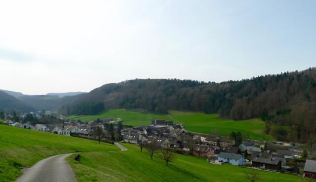 Aufstieg zur Grossholz Hochebene