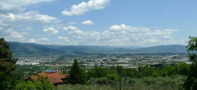 Blick von Montecarlo Richtung Montecatini Terme