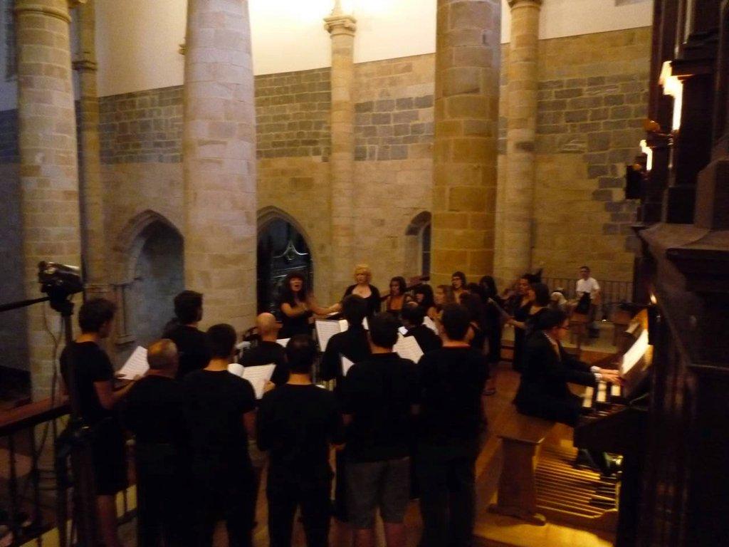 With the organist Benantzi Bilbao in  Gernika
