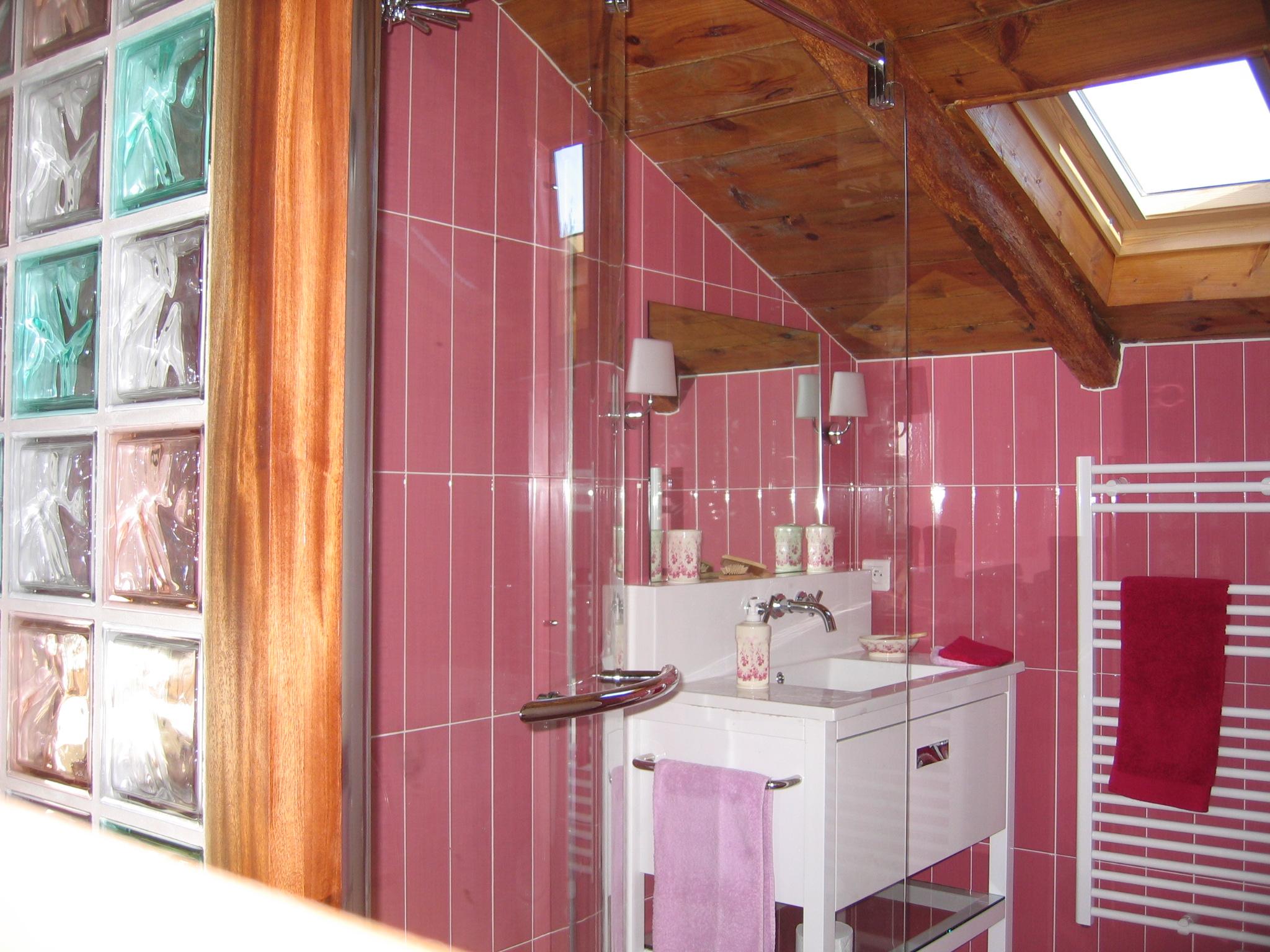 domaine de Millox, salle de douche Amarante