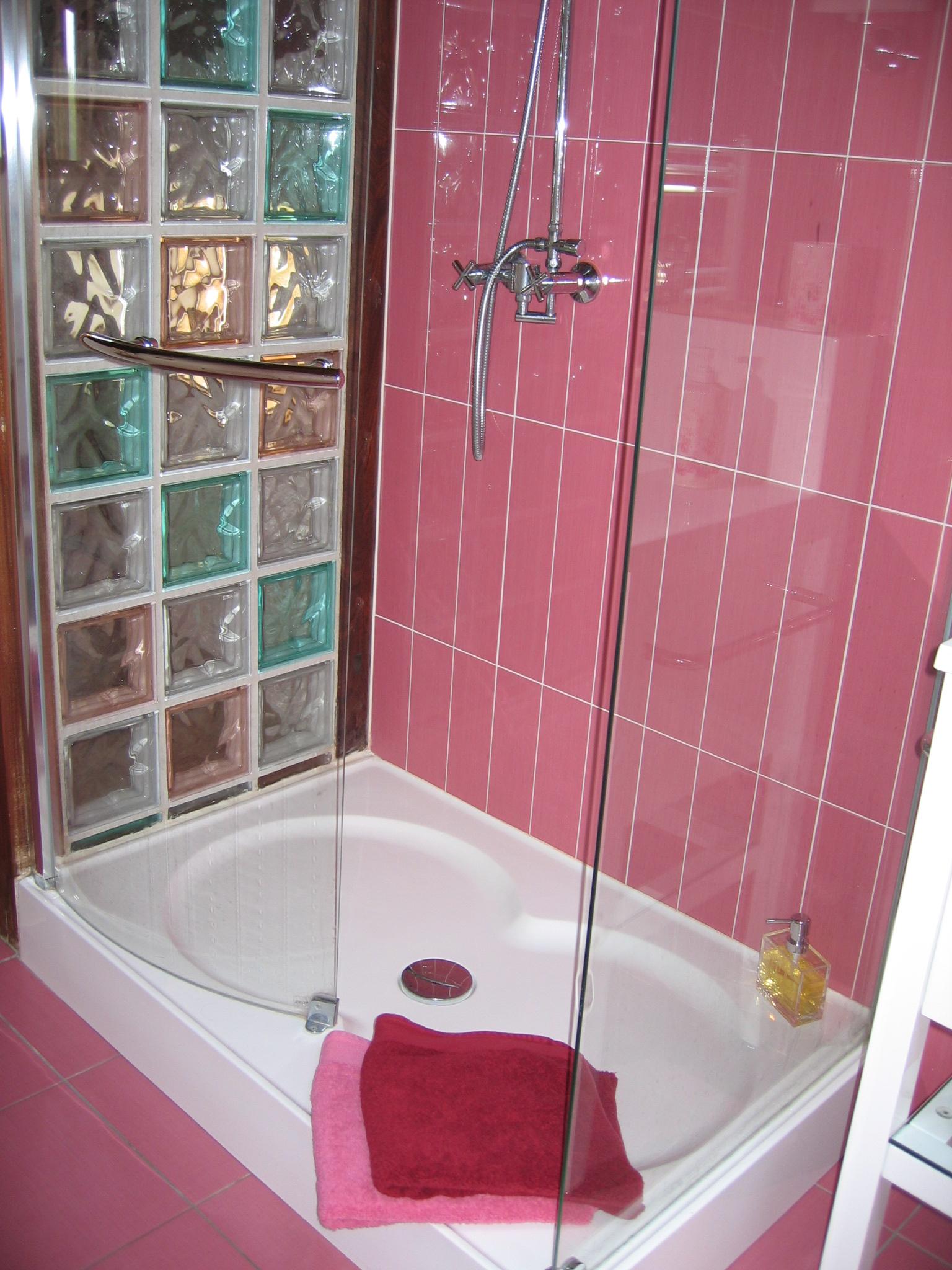 chambre Amaranta, douche