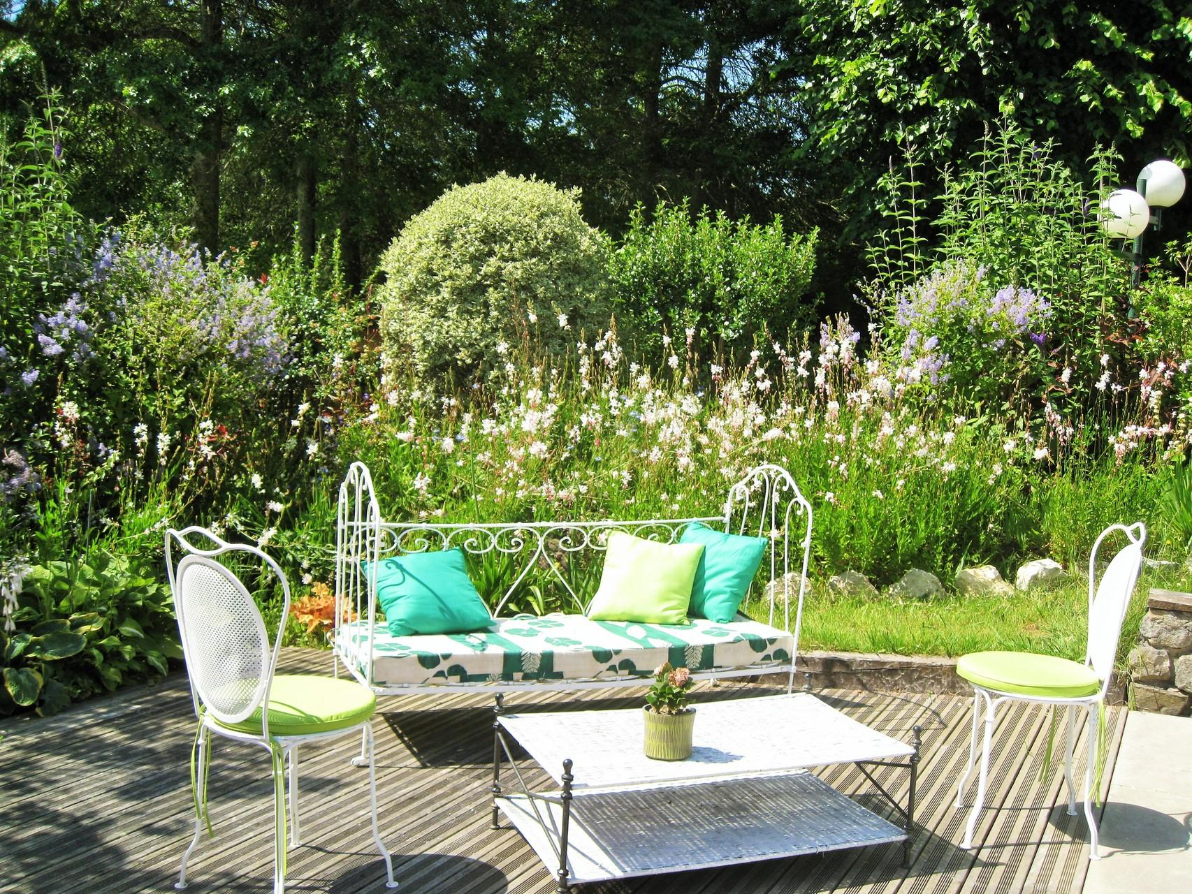 Domaine de Millox, petit salon de jardin