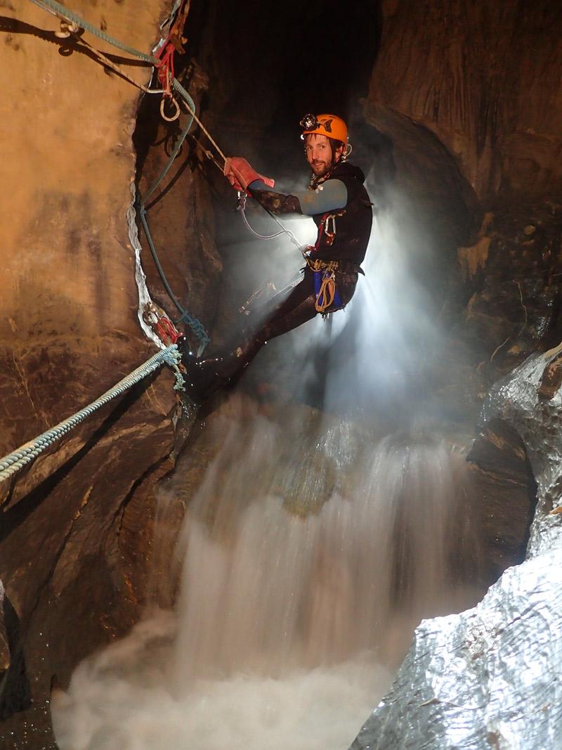 Grotte des Eaux Chaudes siphon 1
