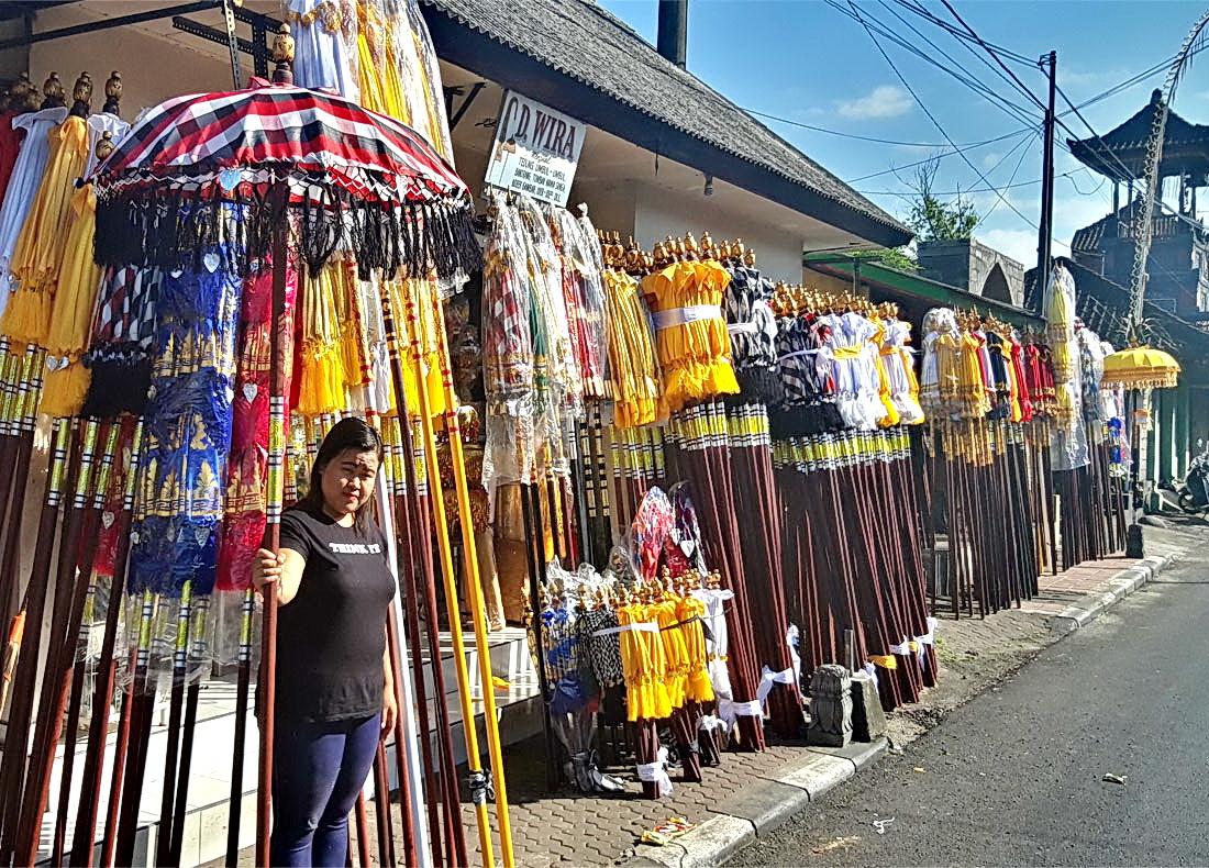 Kunst auf Bali / Schirme