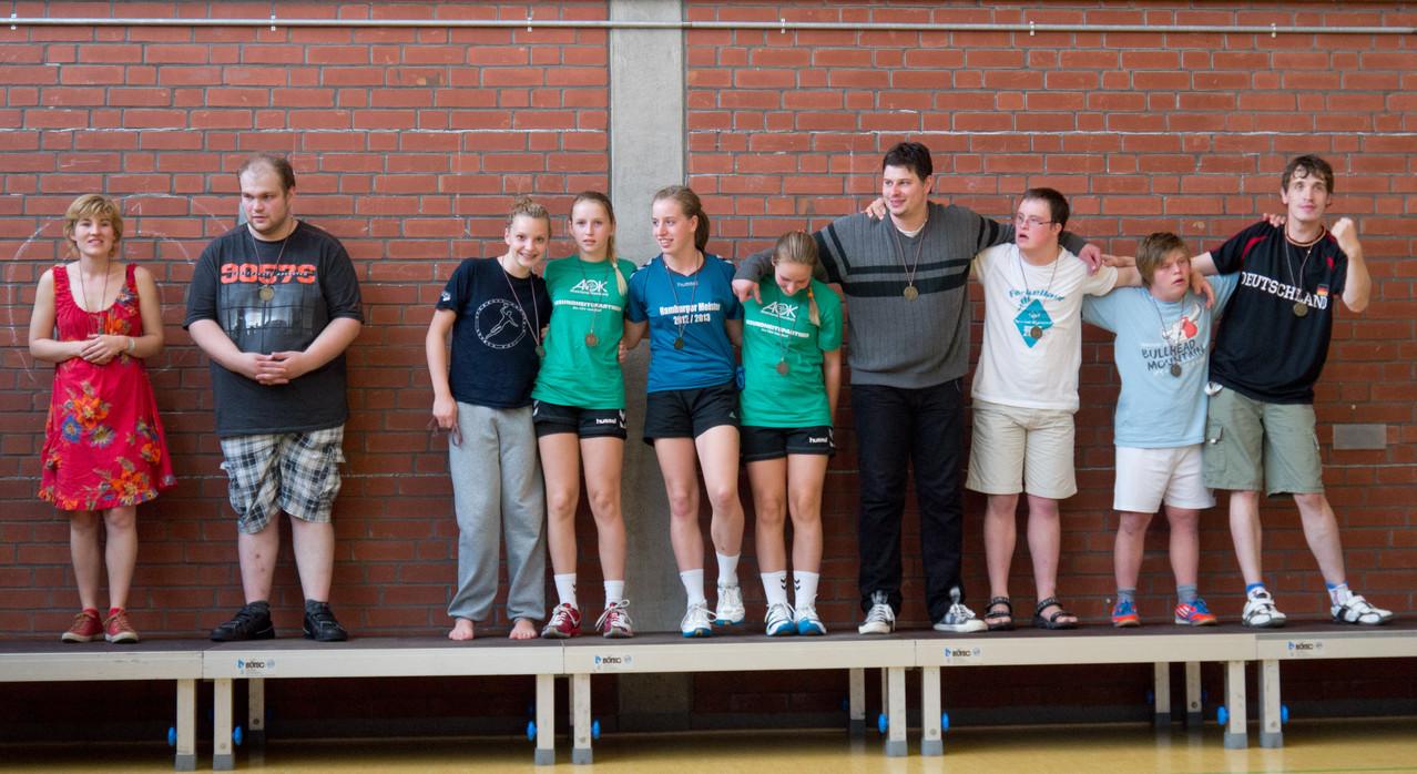 Das Team vom AMTV II auf dem Siegerpodest