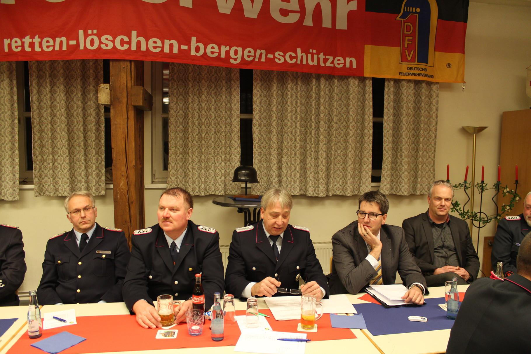 v.l. Kreisbrandmeister Herr Uwe Borsutzky, stlv. OBM J. Grimm, OBM R. Becker und OB v. Goslar Herr Dr. O. Junk, Stadt GS Herr T. Meißner