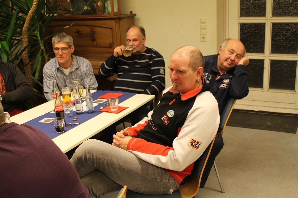 Neues passives Mitglied der FFW  Herr Holger Zientek mit Nachbarn