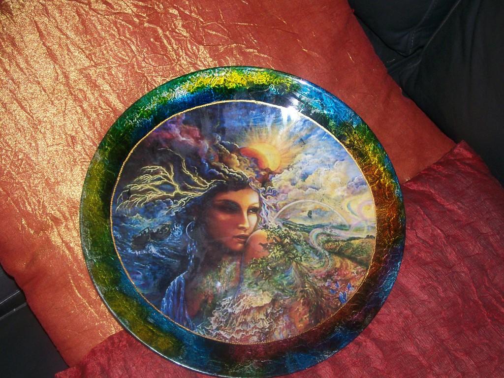 """Piatto in vetro con colori bubble e immagine """"fantasy"""""""